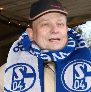 Franz mit Schal(ke)